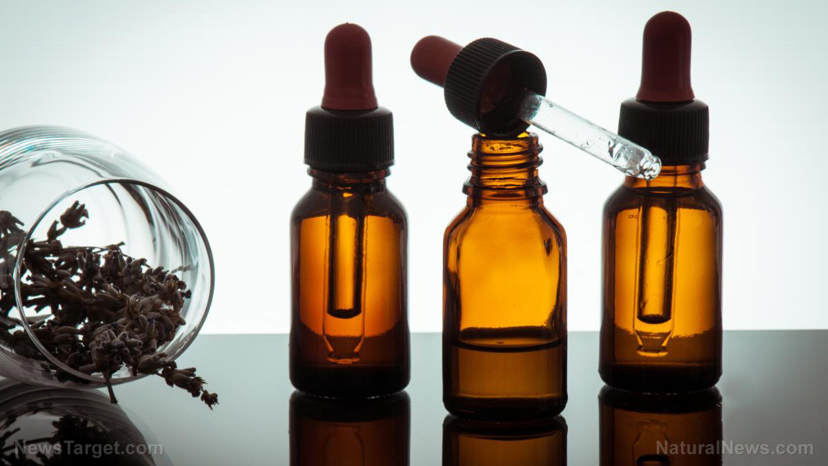 Make your own natural anti-itch spray using essential oils